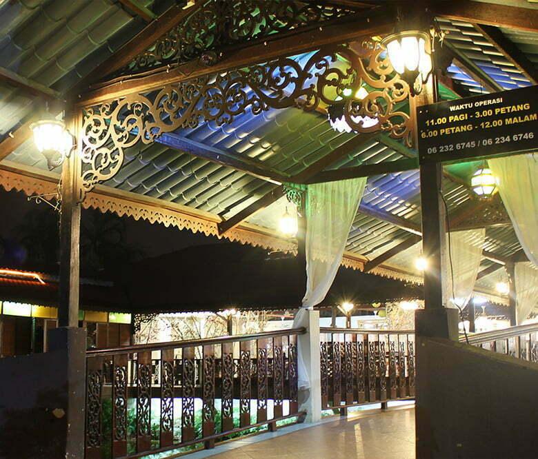 Gambar Restoran Klasik Terapung (Tomyam Klasik) 3